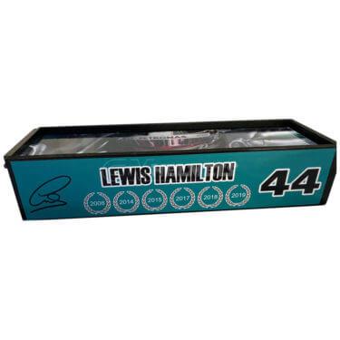 lewis-hamilton-paddock-pass-1